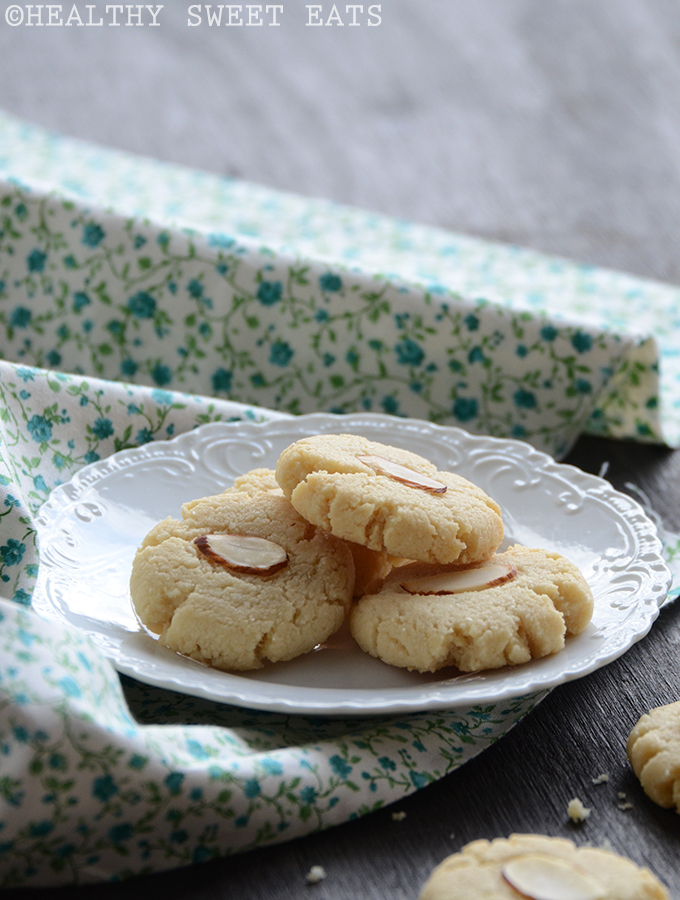 Vanilla-Almond Shortbread Cookies 3