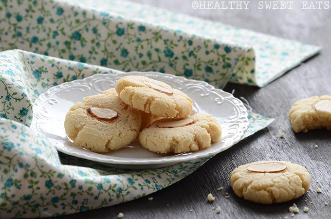 Vanilla-Almond Shortbread Cookies 4