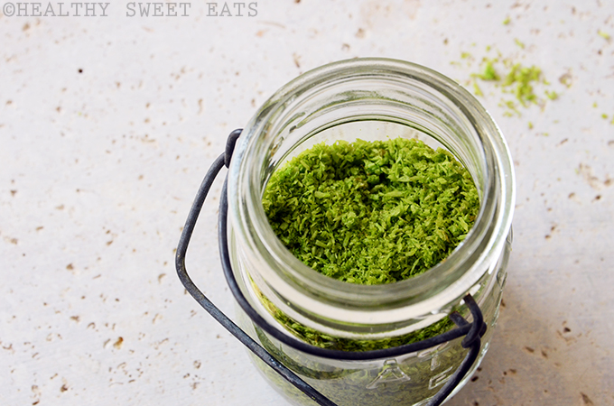 How to Naturally Dye Shredded Coconut Green 3