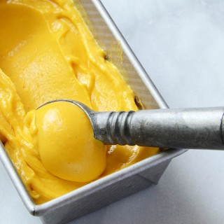 Easy No-Churn Mango Lassi Frozen Yogurt 1