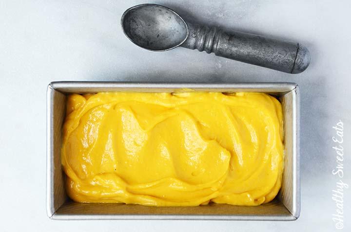 Easy Mango Frozen Yogurt