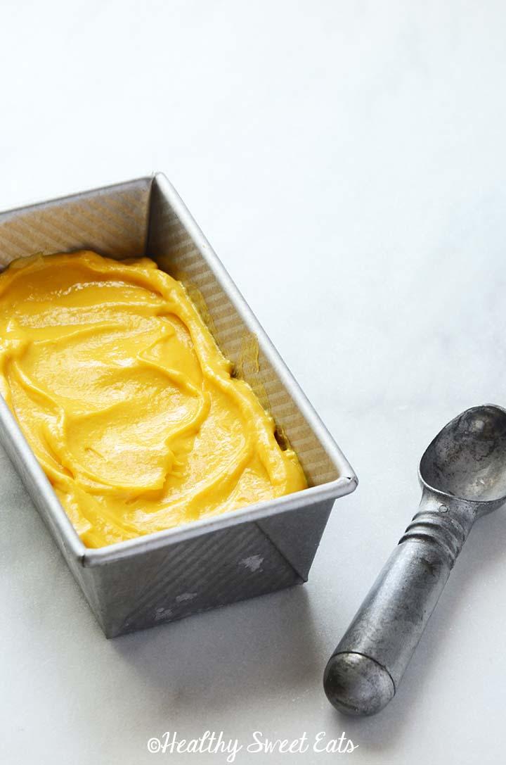 Healthy Mango Frozen Yogurt
