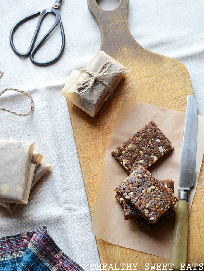 Pick-Me-Up Chewy Apricot-Almond Bars Recipe | Healthy Sweet Eats