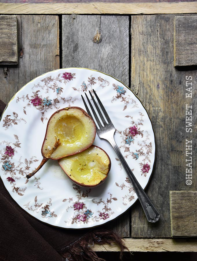 hot-buttered-roasted-pears-with-vanilla-and-black-pepper-1
