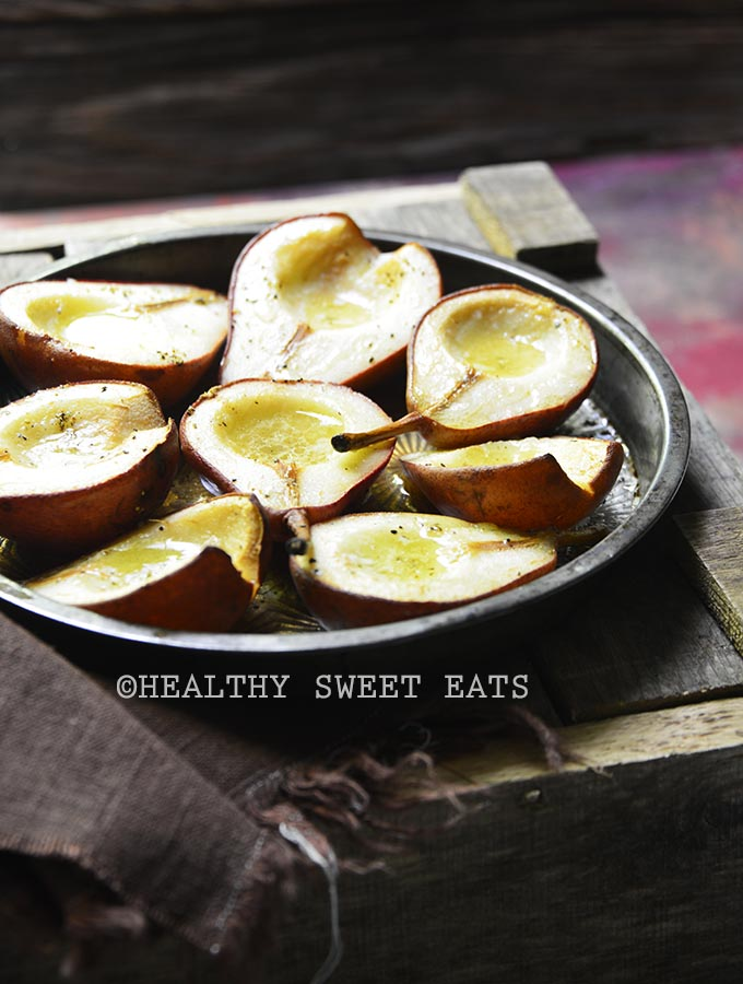 hot-buttered-roasted-pears-with-vanilla-and-black-pepper-2