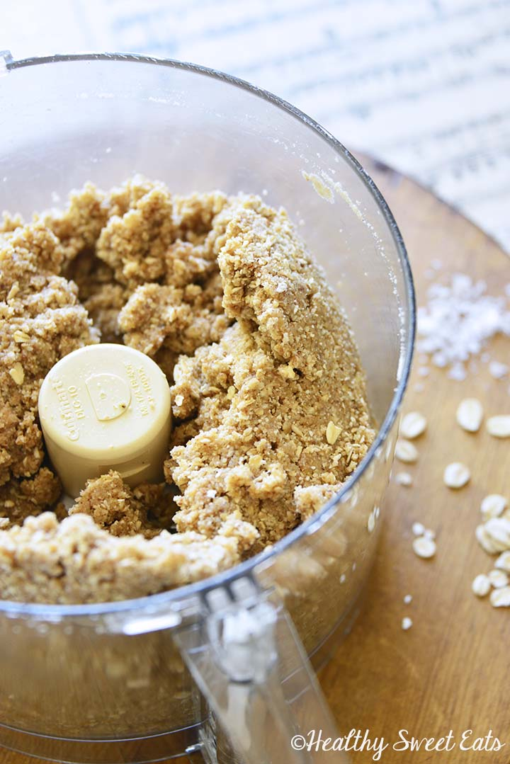 Crumble Topping for Date Bars