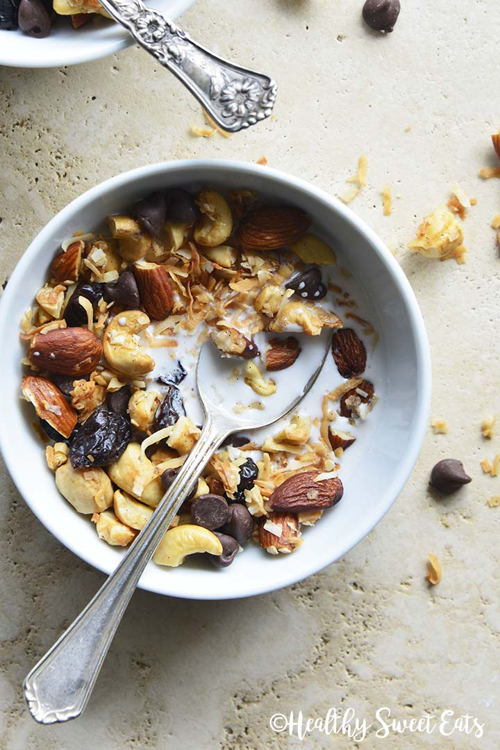 Low Carb Granola with Chocolate